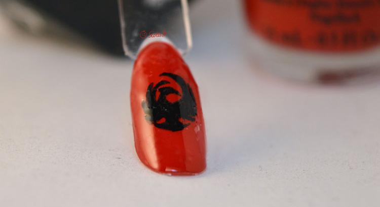 Essai sur faux ongles de refaire le logo de l'équipe de foot US des Phenix de Chaumont