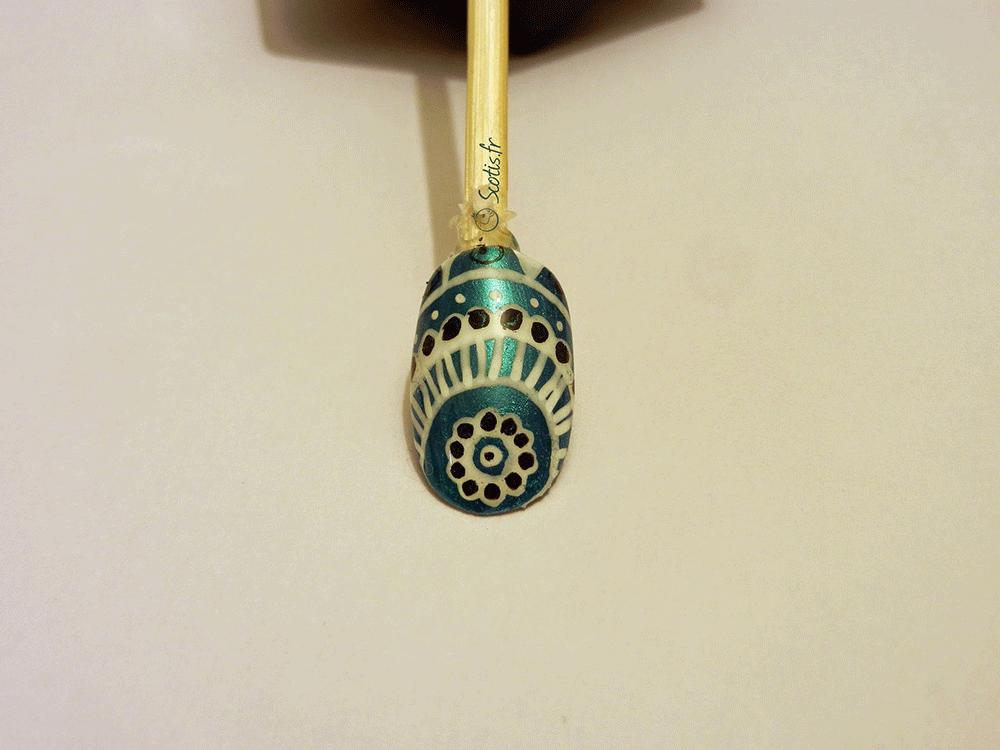 Mandala en nail-art fait de façon simple