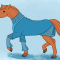 Un cheval alezan dans une robe bleue
